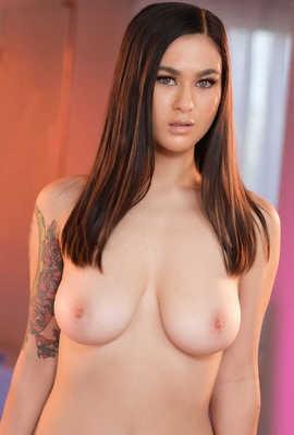 Porn star Jasmine Wilde Photo
