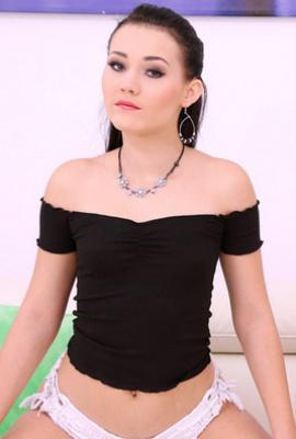 Porn star Sandra Zee Photo