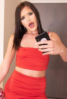Porn star Selina Moon Photo