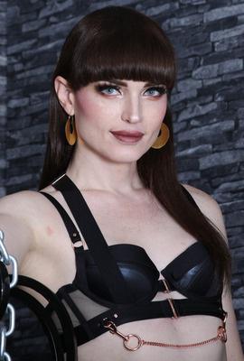 TS Natalie Mars