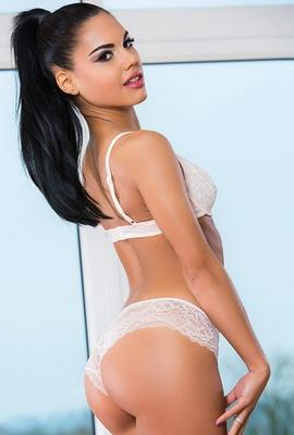 Pornstar Apolonia Lapiedra free Photos and Videos