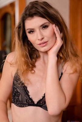 Porn star Candice Demellza Photo