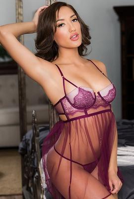 Porn star Chloe Amour Photo