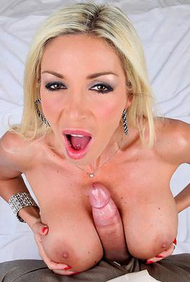 Pornstar Evita Pozzi free Photos and Videos