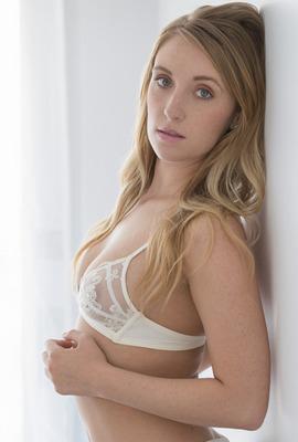 Porn star Harley Jade Photo