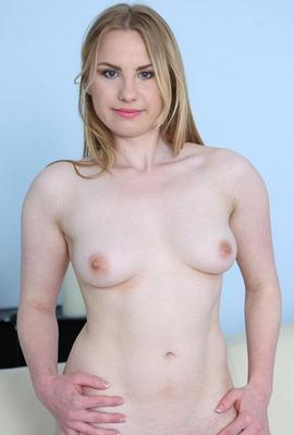 Pornstar Lilya Lush free Photos and Videos