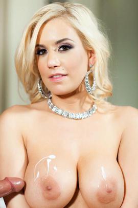 Porn star Mariah Madysinn Photo