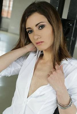 Pornstar Valentina Bianco free Photos and Videos