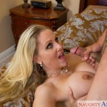 Julia Ann, Naughty America, photo 10