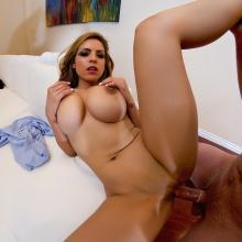 Yurizan Beltran, Spizoo Network, photo 10