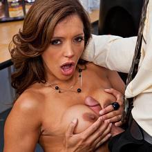 Excited Francesca Le whips out and sucks the dick of her colleagues