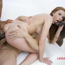 Legal Porno scene with Linda Sweet
