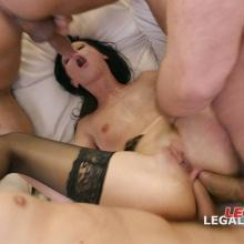 Legal Porno scene with July Sun