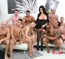 Veronica Avluv, Legal Porno, photo 1