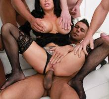 Veronica Avluv, Legal Porno, photo 11