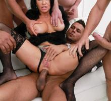 Veronica Avluv, Legal Porno, photo 9