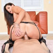 India Summer craves bouncing on that large Boner