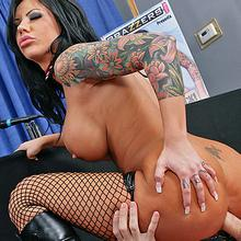 Tattooed babe Mason Moore gets public anal in front of the press