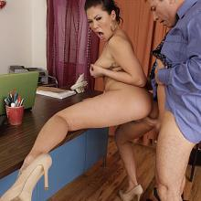 London Keyes, Naughty America, photo 6