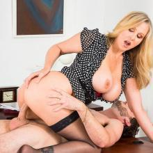 Julia Ann, Naughty America, photo 1