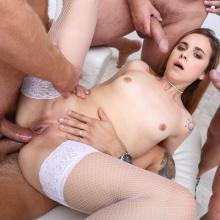 Victoria White scene with Karry Slot