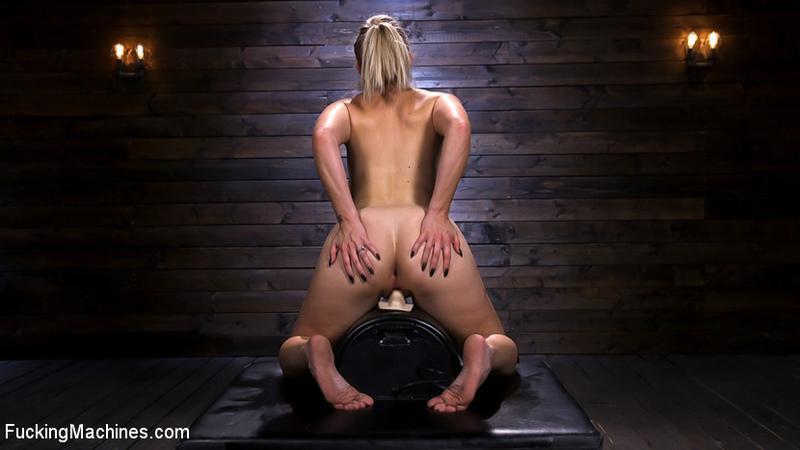 trophy-partners-orgasm-ejaculation-female-sybian