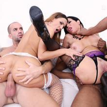 Veronica Avluv and Kristy Black fist each others ass in orgy with DOUBLE ANAL