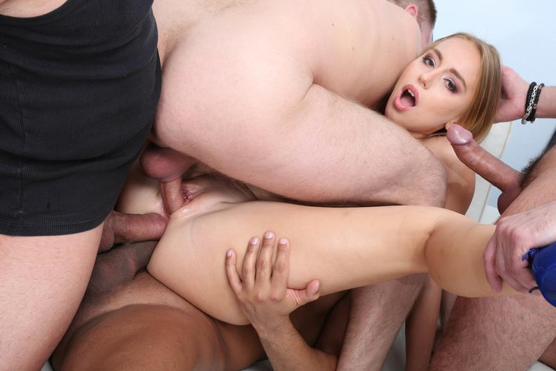 full-penetration-naked-group-lesbi-licking