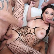 Alysa gets deep and hard DOUBLE ANAL with Big Gapes