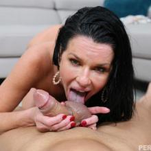Veronica Avluv, Perv Mom, photo 9