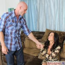 Veronica Avluv, Naughty America, photo 1