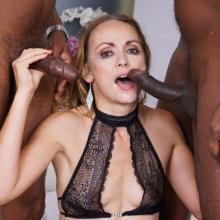 Alice Hatter enjoys piss coctail & Double Anal