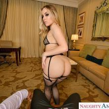 Anna Claire Clouds, Naughty America, photo 2