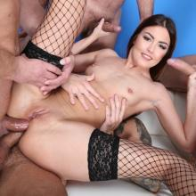 Cindy Shine finally gets 4on1 with Double Anal & Gapes