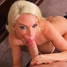 Perfect milf Diamond Foxxx's asshole gets wild gaping in her office