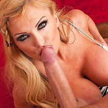 Depraved mom Taylor Wane can't wait to get sat on this big hard dick